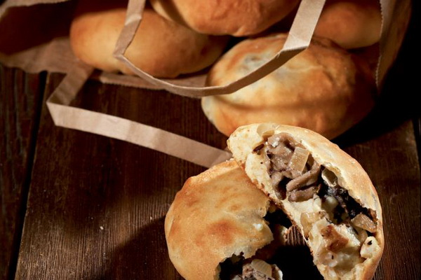 Выпечка с грибами: рецепты пирогов, хлеба и других изделий